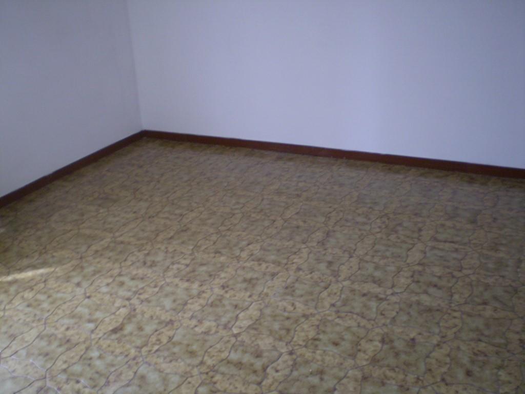 4 Vani MONTECATINI TERME (PT) Appartamento piano secondo.