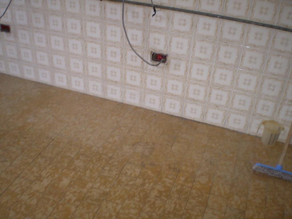 3 Vani MONTECATINI TERME (PT) Appartamento piano primo.