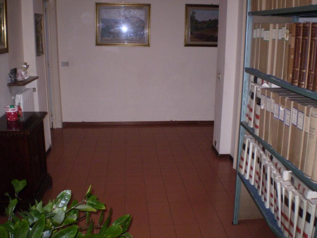 4 Vani MONTECATINI TERME (PT) Appartamento centralissimo.