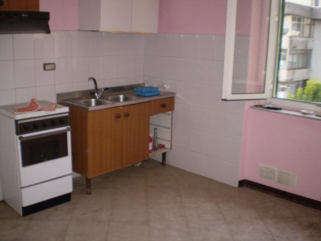 3 Vani MONTECATINI TERME (PT) Appartamento piano ultimo.