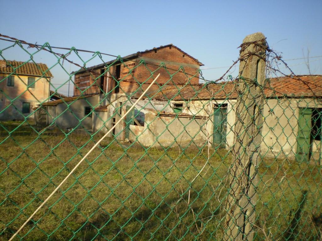 Case in campagna e rustici PONTE BUGGIANESE (PT) Fabbricato colonico.