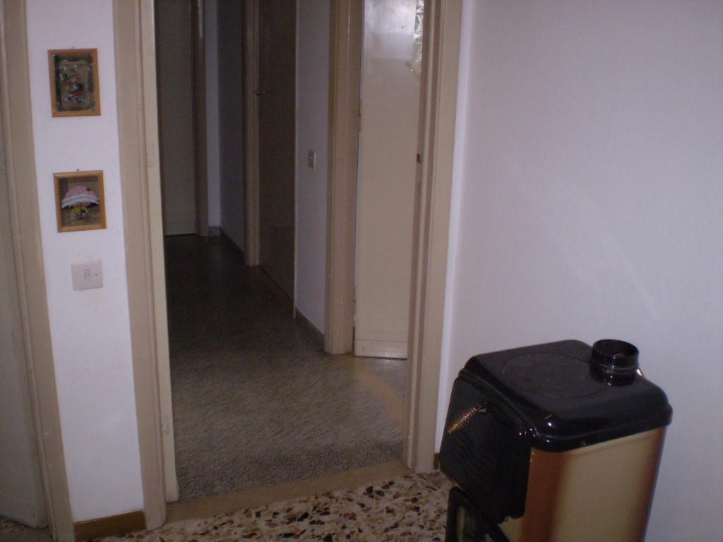 3 Vani UZZANO (PT) Appartamento.