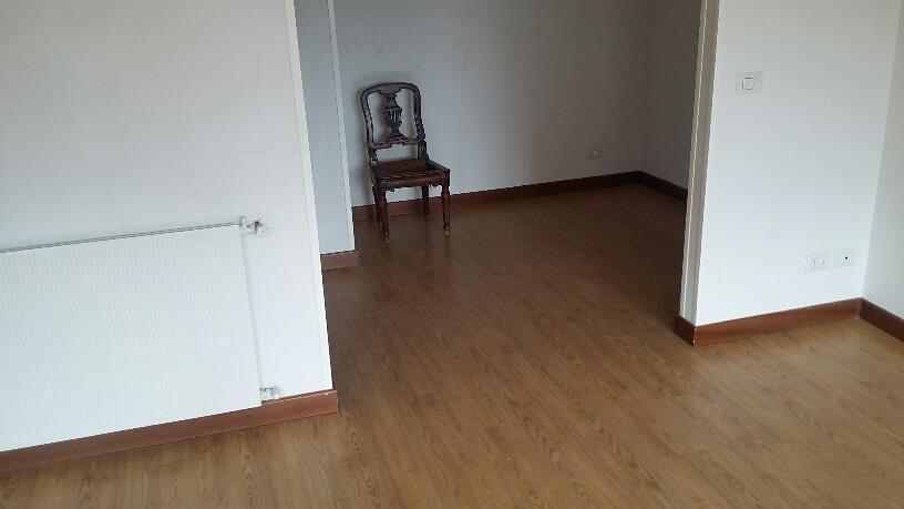 4 Vani MONTECATINI TERME (PT) Appartamento panoramico posto al piano quarto.