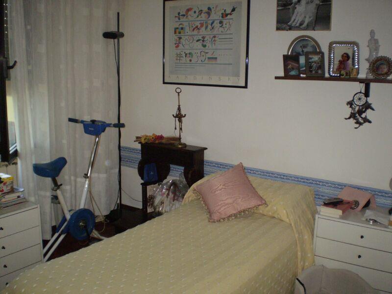3 Vani MONTECATINI TERME (PT) Appartamento elegante.