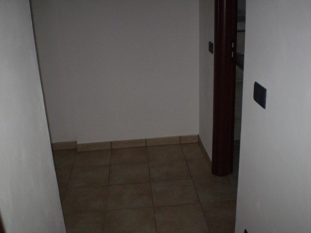 2 Vani MONTECATINI TERME (PT) Appartamento piano primo.
