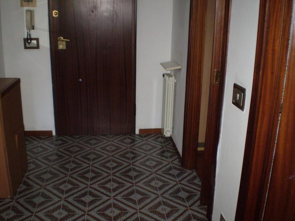Appartamento luminoso posto al piano secondo.