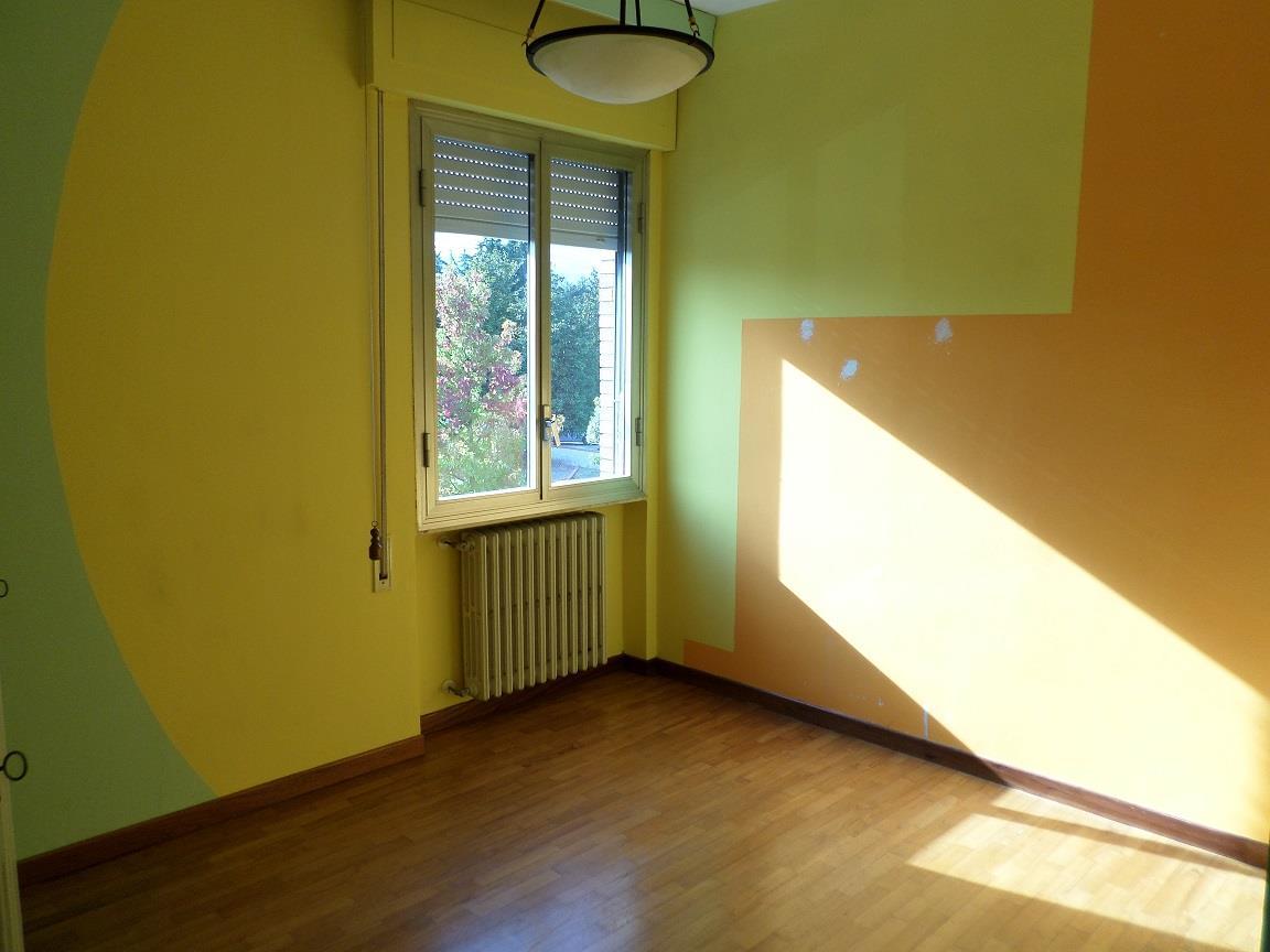 Affitti per referenziati PONTE BUGGIANESE (PT) Appartamento corredato da vasta terrazza attrezzata.