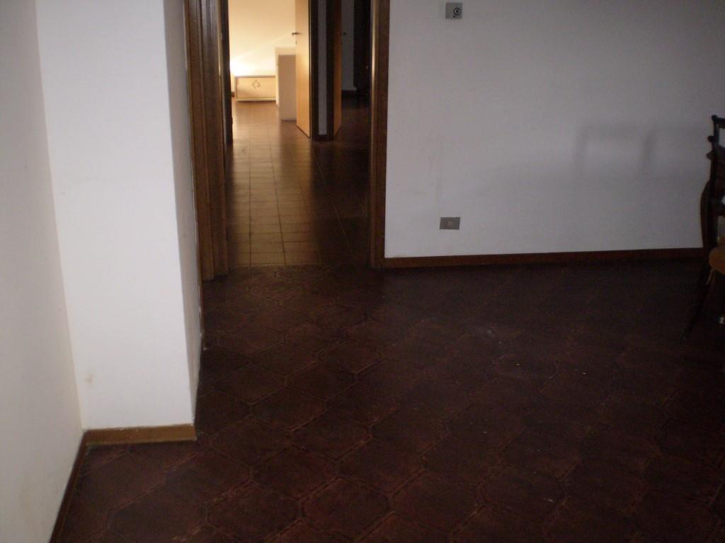 4 Vani MONTECATINI TERME (PT) Appartamento posto in zona di pregio.