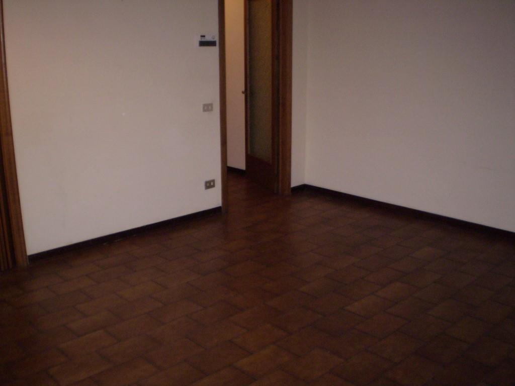 Affitti per referenziati MONTECATINI TERME (PT) Appartamento da arredare.