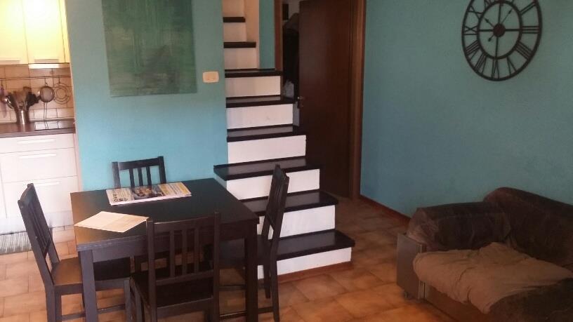 4 Vani MARGINE COPERTA (PT) Appartamento disposto su due livelli.