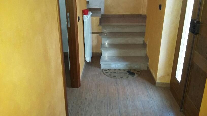 Porzione di casa disposta su due livelli.