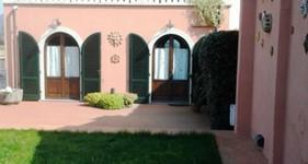 Vendesi villa stile rustico